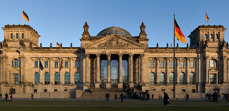 1024px-Reichstag_building_Berlin_view_from_west_before_sunset[1]